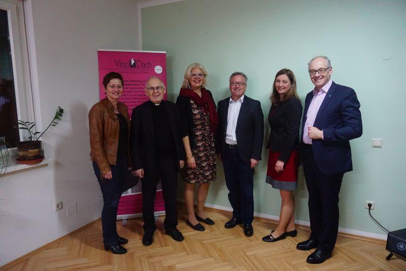 Mag. Steiner, Pfarrer Pucher, Mag. Hagenauer, Dr. Schellhorn, Koordinatorin Tödtling-Musenbichler und KR Essl (© VinziWerke)